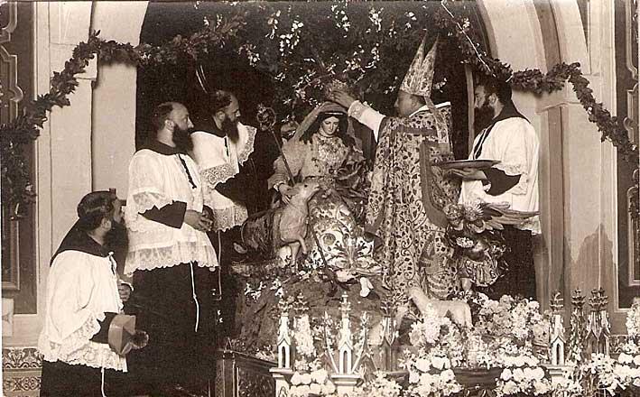 Coronación de la Pastora de Capuchinos // Galeón