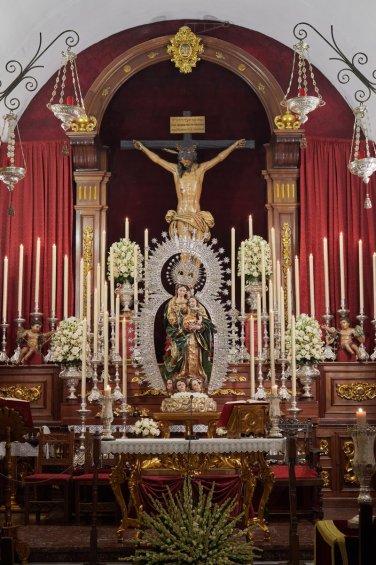 Besamanos a la Virgen del Rosario de las Aguas // Hermandad