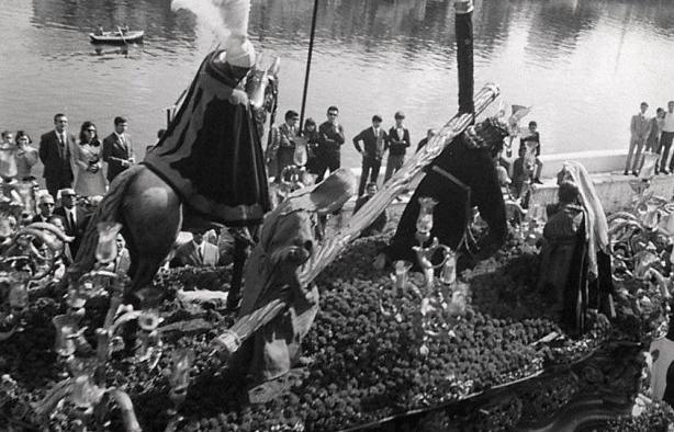 Misterio del Cristo de las Tres Caídas de la Esperanza de Triana a mediados de los 60's