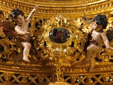 Restauración del canasto del paso del Cristo de la Sed