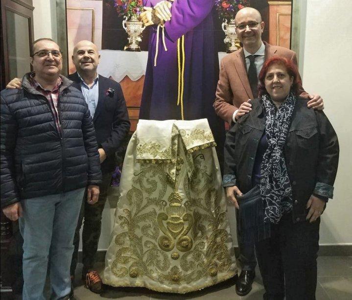 Saya de la Virgen de los Dolores del Cerro