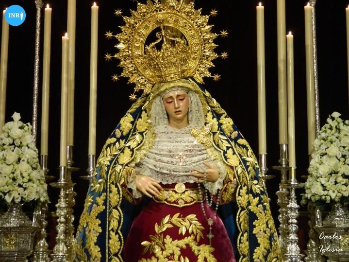 Besamanos a la Virgen de la Angustia de los Estudiantes // Carlos Iglesia