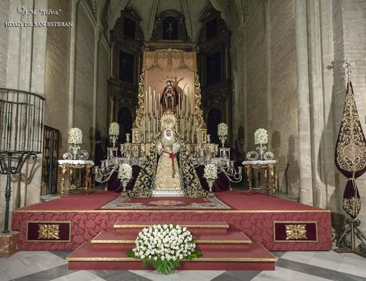 Virgen de los Desamparados de San Esteban
