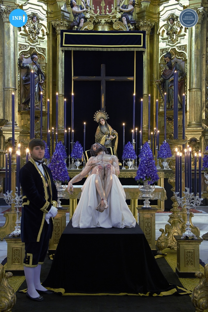 Besapiés del Cristo de la Caridad de Santa Marta // Jesús Elías