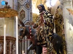 Besapiés del Señor de la Sagrada Entrada en Jerusalén de la Borriquita del Amor // Carlos Iglesia