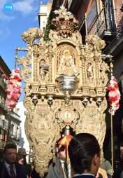 Traslado del simpecado del Rocío de la Macarena a la catedral por el pregón de las Glorias // Ángela Vilches