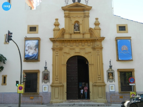 Calles engalanadas para la Virgen de los Ángeles de los Negritos // Carlos Iglesia