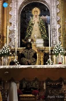 Besamanos al Señor de la Sentencia de la Macarena // Ángela Vilches
