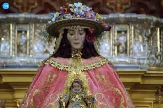 Virgen del Rocío de Pastora // Ángela Vilches