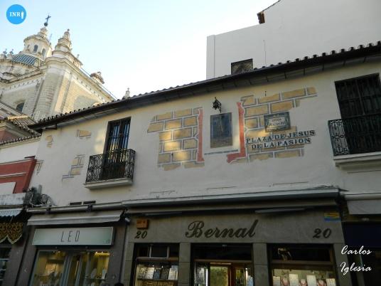 Esgrafiados de la fachada de la plaza del Pan del Salvador // Carlos Iglesia
