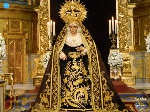 Besamanos a la Virgen de los Dolores del Cerro // Carlos Iglesia