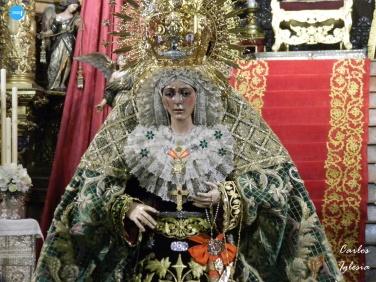 Besamanos a la Virgen de la Esperanza Macarena // Carlos Iglesia