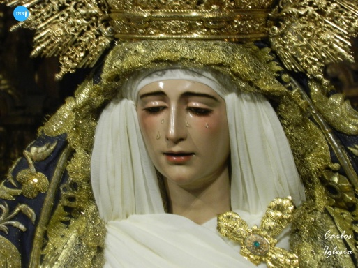 Besamanos de la Virgen de Loreto de San Isidoro // Carlos Iglesia
