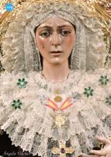 Besamanos a la Virgen de la Esperanza Macarena // Ángela Vilches