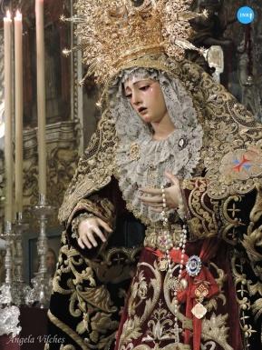 Besamanos a la Virgen de la Esperanza de la Trinidad // Ángela Vilches