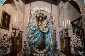 Besamanos de la Virgen de la Salud de San Isidoro // Jesús Elías