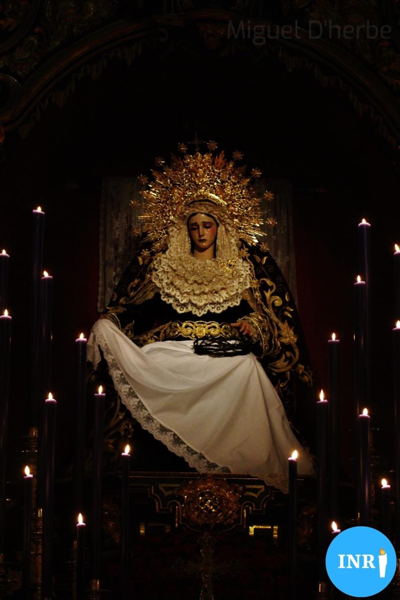 Besapiés al Cristo de la Misericordia del Baratillo // Miguel D'herbe