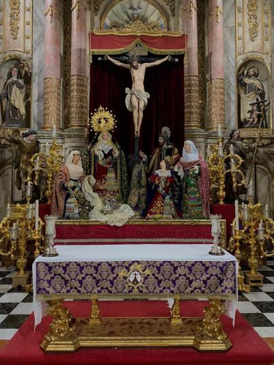 Altar de cultos Cristo de los Desamparados del Santo Ángel