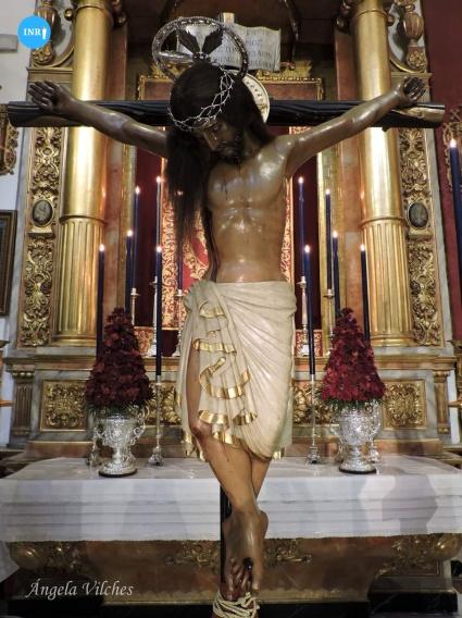 Besapiés al Santo Crucifijo de San Agustín de San Roque // Ángela Vilches