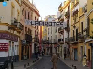 Cartel de venta de capirotes // Carlos Iglesia