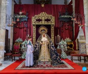 Besamanos de la Virgen de la Hiniesta // Jesús Elías