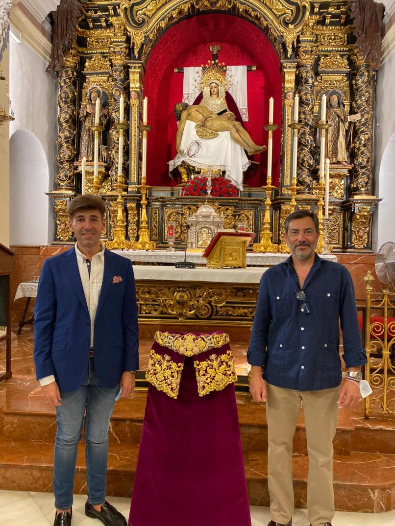 Saya Virgen de la Piedad del Baratillo