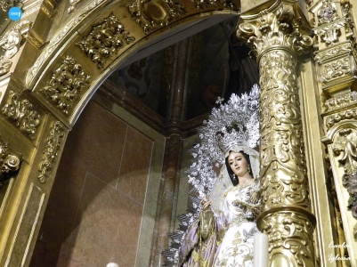 Señor de la Sentencia y la Virgen del Rosario de la Macarena en sys altares // Carlos Iglesia