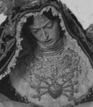 Corazón de plata de siete puñales de los Servitas
