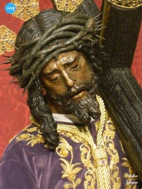 Señor del Gran Poder con la túnica de los devotos // Carlos Iglesia