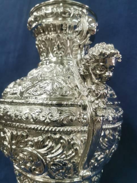 Nuevas jarras y coronas para el Rosario de Carrión de los Céspedes