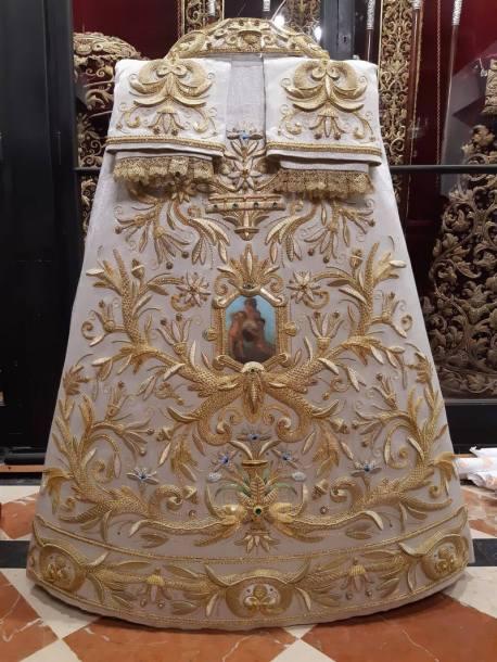 Nueva saya para la Virgen de la Prssentación del Calvario