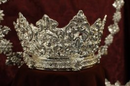 Juego de coronas de María Auxiliadora