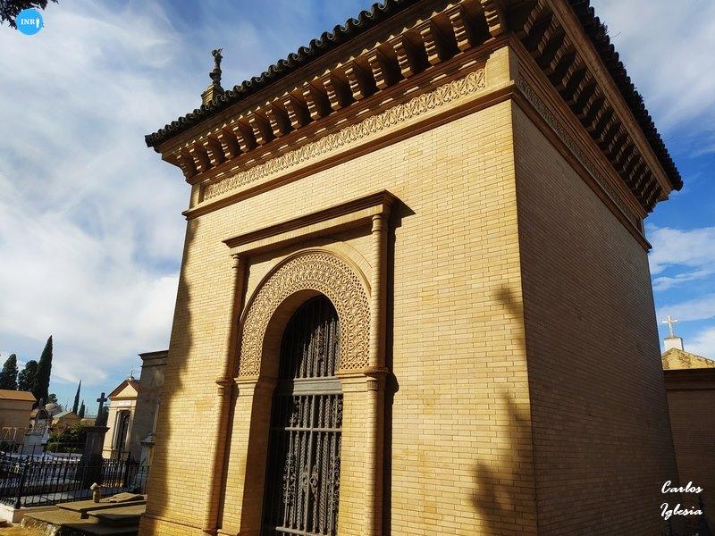 Panteon de Aníbal González // Carlos Iglesia