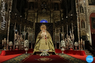 Veneración a la Virgen de la Esperanza de la Trinidad // Miguel D'herbe