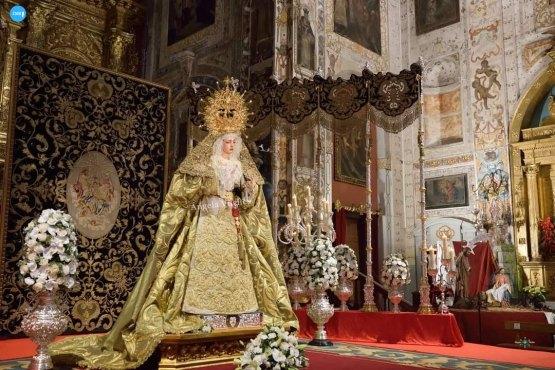 Veneración a la Virgen de la Esperanza de la Trinidad // Ángela Vilches