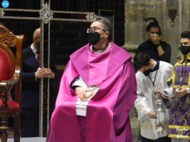 Marcelino Manzano en el Viacrucis de las hermandades presidido por el Cristo de la Corona // Carlos Iglesia