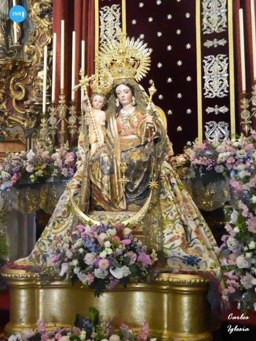 Virgen del Rosario de los Humeros // Carlos Iglesia