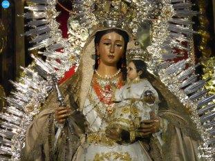Veneración a Madre de Dios del Rosario // Carlos Iglesia