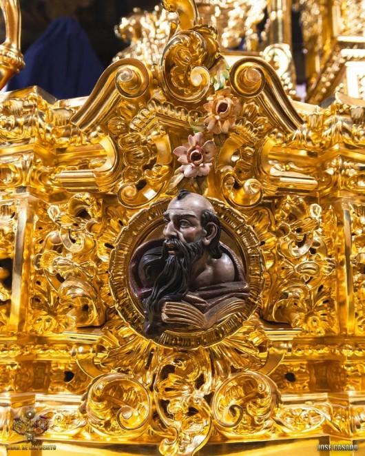 Dorado del paso de misterio de San Benito