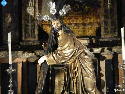 Titulares de la Corona y Virgen del Rosario // Carlos Iglesia