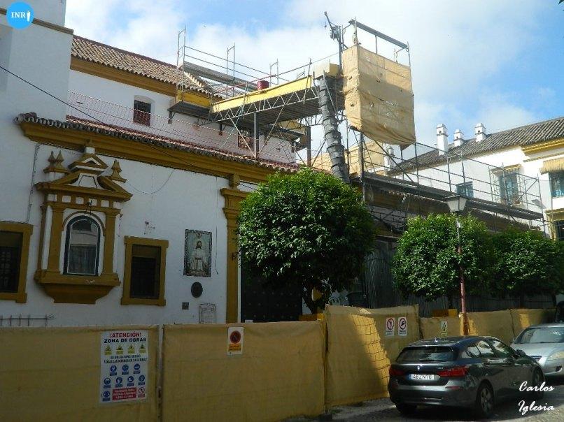 Iglesia de Santiago en obras // Carlos Iglesia